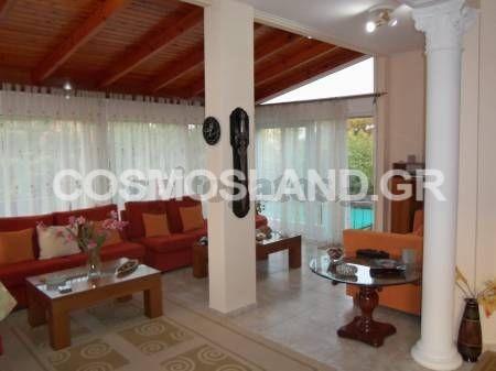 Μονοκατοικία 245 τ.μ. στον Κάβο 220.000 ευρώ