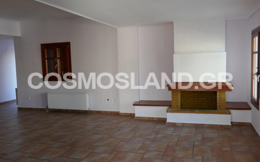 Διαμέρισμα 140 τ.μ στα Λουτρά Ωραίας Ελένης 450 ευρώ